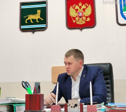 Мэр Биробиджана Александр Головатый