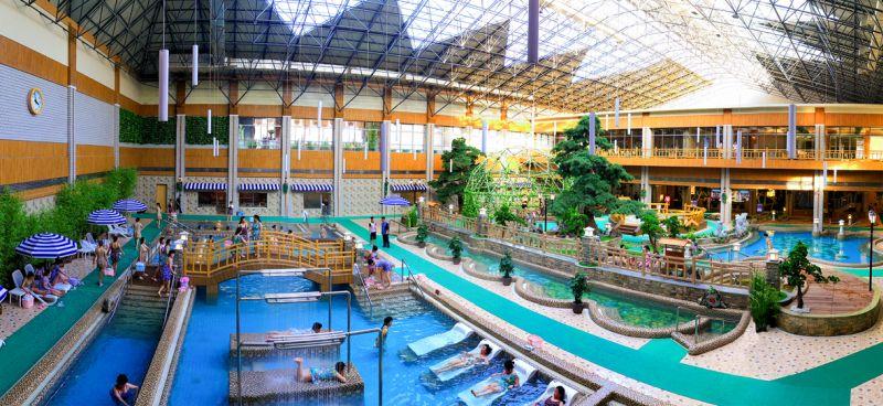 Закрытый бассейн Яндокской бальнеологической зоны культурного отдыха.