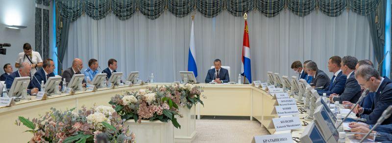 Юрий Трутнев провёл заседание совета ДФО.
